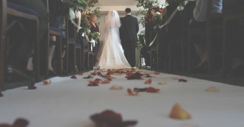 View article Preaching A Wedding: The Practical Do's And Don'ts