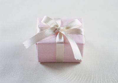 media Gift - Pink And White